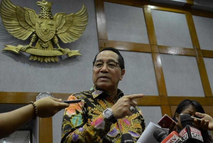 Anggota Komisi IV DPR RI Firman Soebagyo mengatakan pandemi COVID-19 harus bisa menjadi momentum ketahanan pangan nasional di mana kebutuhan pangan di Indonesia bisa dipenuhi dari produksi dalam negeri.