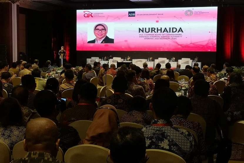 Wakil Ketua Dewan Komisioner OJK Nurhaida dalam Fintech Talk di Jimbaran, Bali, Jumat (12/10).