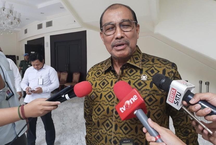 Wakil Ketua DPD RI Nono Sampono menyerukan bersatu dan bergotong royong melawan Covid-19.
