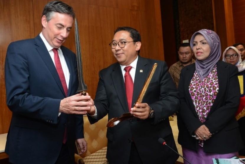 Wakil Ketua DPR Fadli Zona menerima kunjungan delegasi parlemen Uni Eropa, Selasa (8/5).