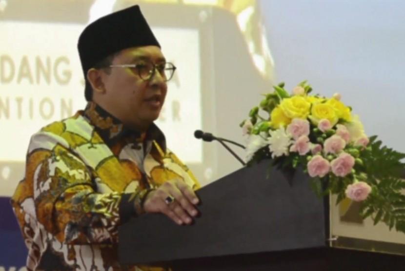 Wakil Ketua DPR RI, Fadli Zon membuka gelaran Islamic Book Fair 2018 di JCC, Senayan, Jakarta.