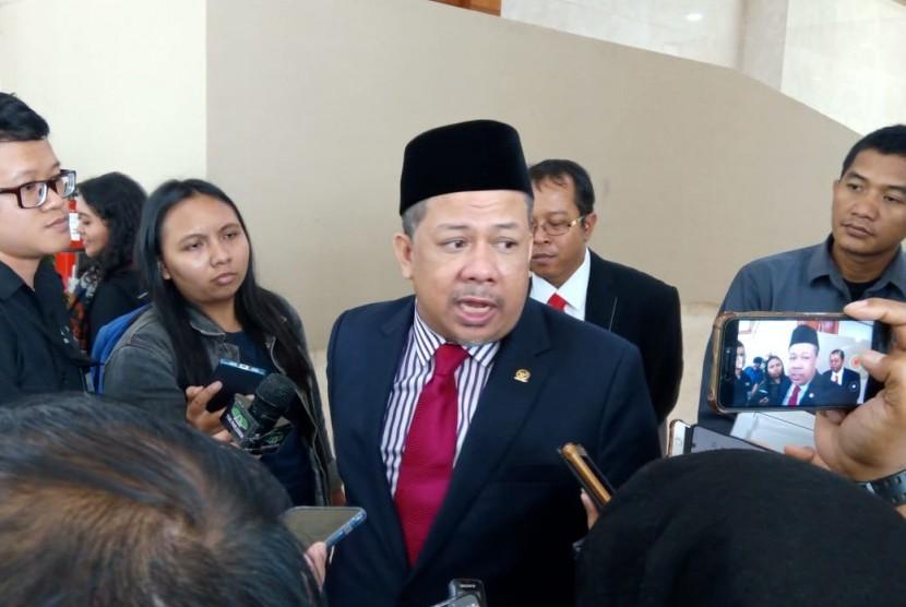 Wakil Ketua DPR RI Fahri Hamzah menanggapi rencana pemindahan ibu kota negara, di Gedung Nusantara II, Komplek Parlemen RI, Jakarta, Selasa (27/8).