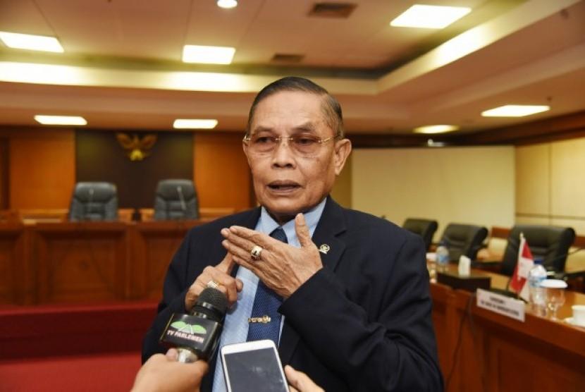 Wakil Ketua Komisi I DPR RI Asril Hamzah Tanjung