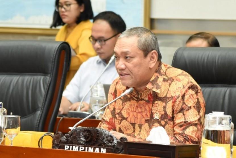 Wakil Ketua Komisi I DPR RI Bambang Kristiono memimpin Rapat Dengar Pendapat Umum (RDPU) dengan sejumlah stakeholder penyiaran terkait perumusan Rancangan Undang-Undang (RUU) tentang Perubahan atas Undang-Undang (UU) Nomor 32 Tahun 2002 tentang Penyiaran. Senin (24/2)