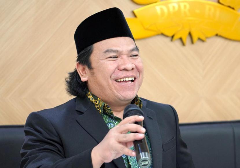 Luqman Hakim.