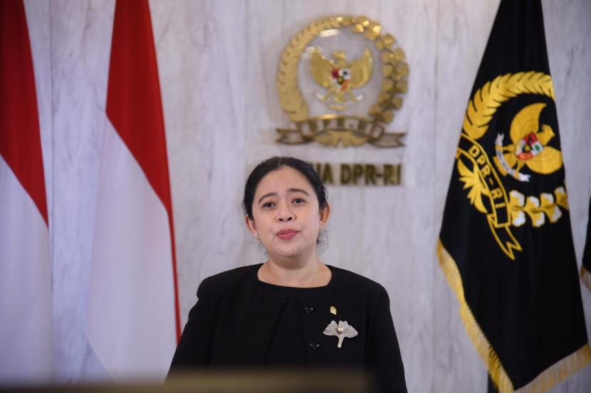 Ketua DPR RI Puan Maharani menyoroti lonjakan angka kasus dan kematian akibat Covid-19 di perdesaan. Menurutnya, pemerintah memerlukan cara-cara khusus untuk penaggulangan wabah corona di desa.