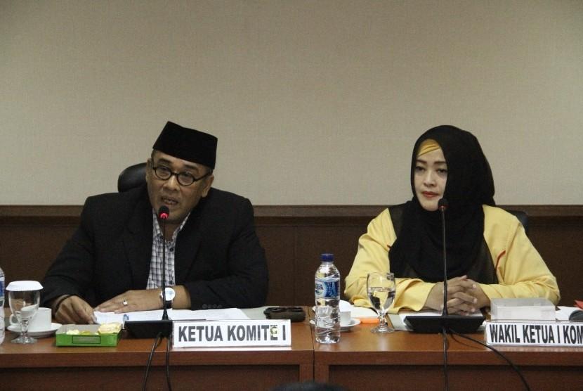 Wakil Ketua Komite I Fahira Idris saat memimpin audiensi dengan FKMTI, Senin (26/11).