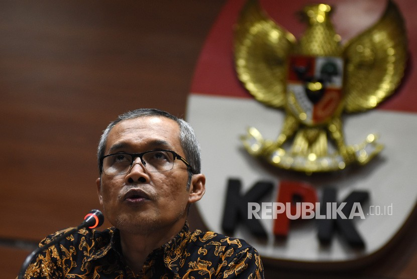 Wakil Ketua KPK Alexander Marwata memberi keterangan pers di Gedung KPK, Jakarta, Senin (10/12/2018).