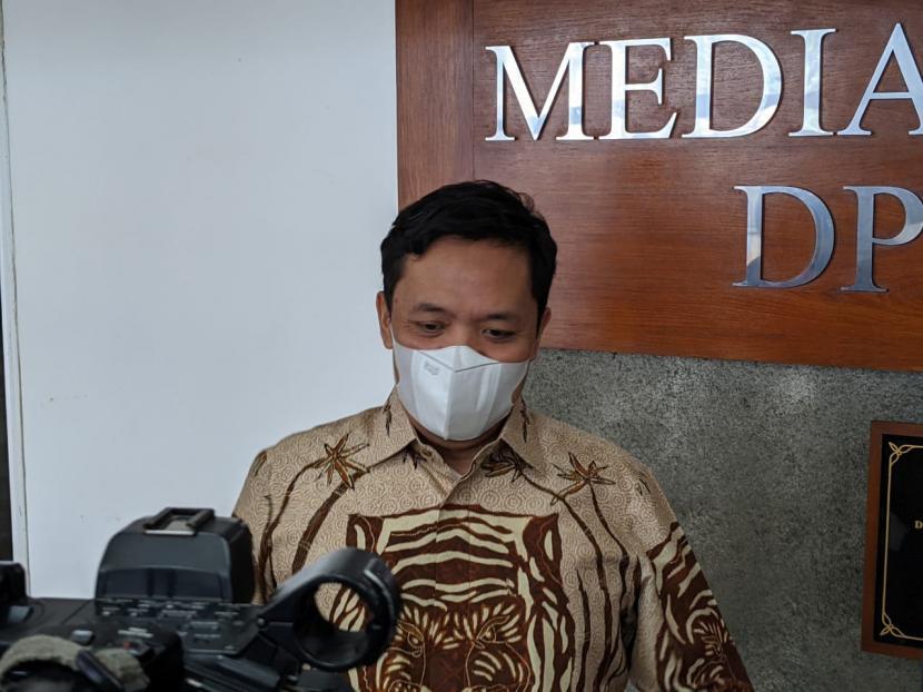Wakil Ketua Mahkamah Kehormatan Dewan (MKD) DPR, anggota Komisi III, dan Wakil Ketua Umum Partai Gerindra Habiburokhman