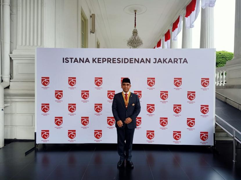 Presiden Jokowi Anugerahi Muzani Bintang Jasa Utama