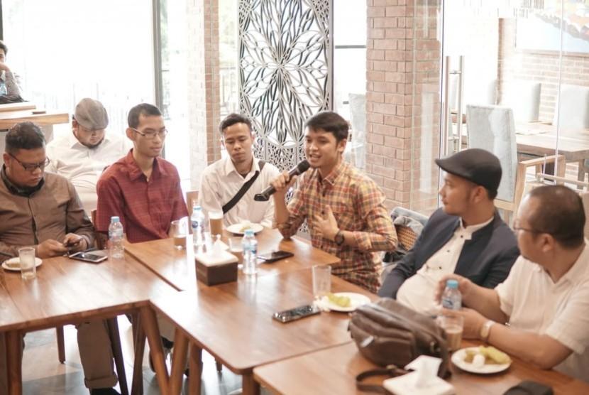 Wakil ketua MPR, Hidayat Nur Wahid menjadi pembicara dalam acara Meet-Up Ukhuwah Content Creator Muslim Indonesia di Jakarta Selatan, Senin (25/2)