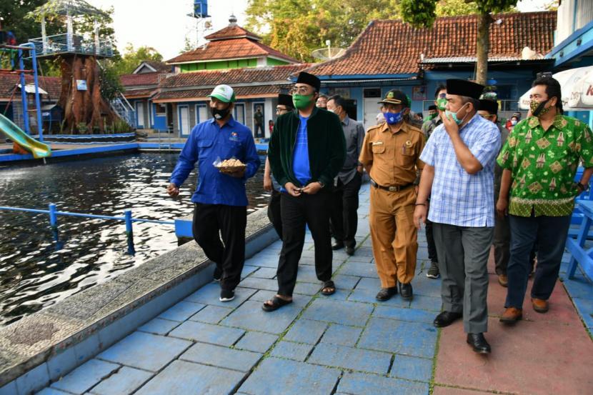 Wakil Ketua MPR Jazilul Fawaid mengunjungi Taman Wisata Cibulan.