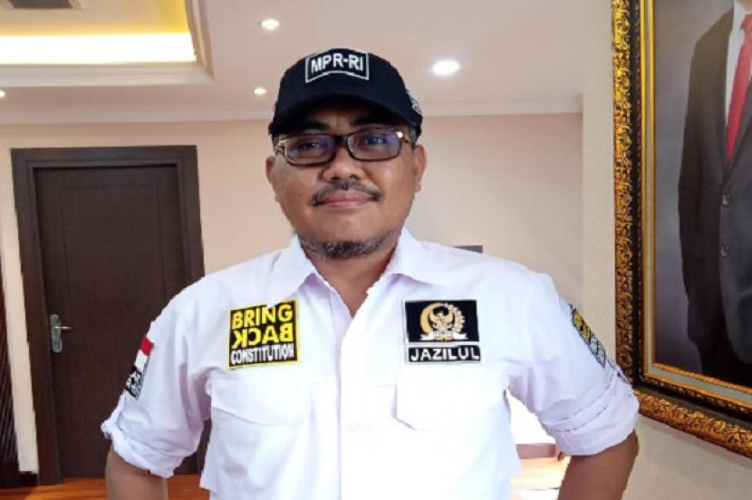 Wakil Ketua MPR Jazilul Fawaid meminta Pemerintah agar melindungi dan menjamin data-data yang dimiliki oleh masyarakat.