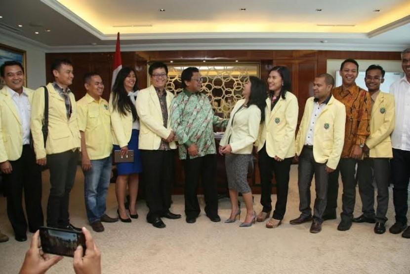 Wakil Ketua MPR Oesman Sapta bertemu dengan Pemuda Katolik.