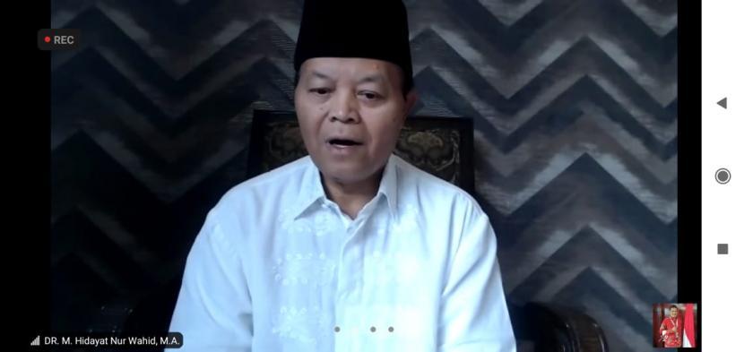 Wakil Ketua MPR RI Hidayat Nur Wahid, secara daring, pada acara Temu Tokoh Nasional / Kebangsaan. Acara tersebut merupakan kerjasama MPR dengan Yayasan Muda Visa Mandiri, berlangsung di SDIT Matahari,  Jalan Jurangmangu Barat, Tangerang, Banten, Ahad (22/11)