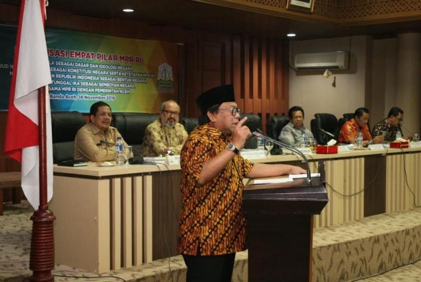 Wakil Ketua MPR RI, Oesman Sapta di Aceh, Senin (14/11).