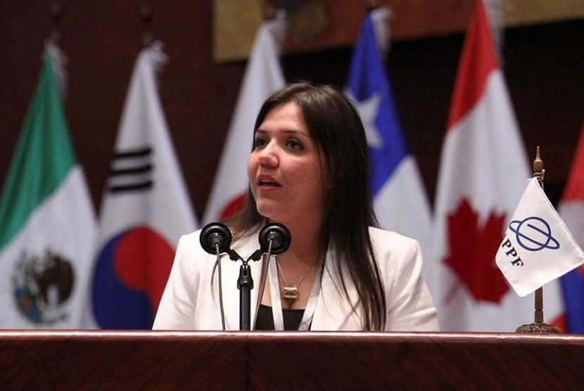 Wakil Presiden Maria Vicuna.