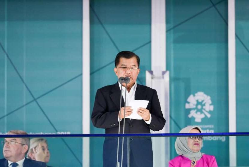 Wakil Presiden RI Jusuf kalla memberikan kata sambutan pada Upacara Penutupan Asian Games ke-18 Tahun 2018 di Stadion Utama GBK, Senayan, Jakarta, Minggu (2/9).