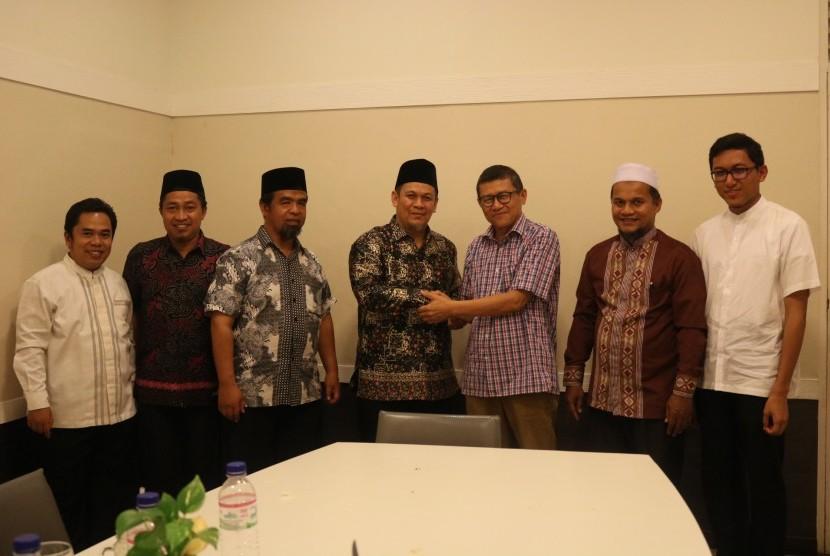 Wakil Rektor Universitas Fatoni Thailand, Prof Dr  Sukree Langputeh mengunjungi kampus Perguruan Islam Ar Risalah Padang, Sumatera Barat.