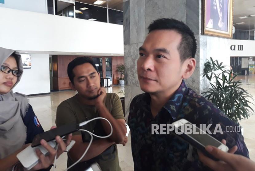 Wakil Sekretaris Jenderal Partai Kebangkitan Bangsa (PKB) Daniel Johan saat diwawancarai di Kompleks Parlemen Senayan, Jakarta pada Senin (26/2).