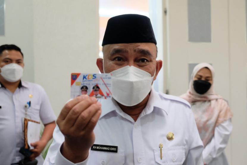 Wali Kota Depok Mohammad Idris meluncurkan Kartu Depok Sejahtera (KDS), Jumat (24/9).