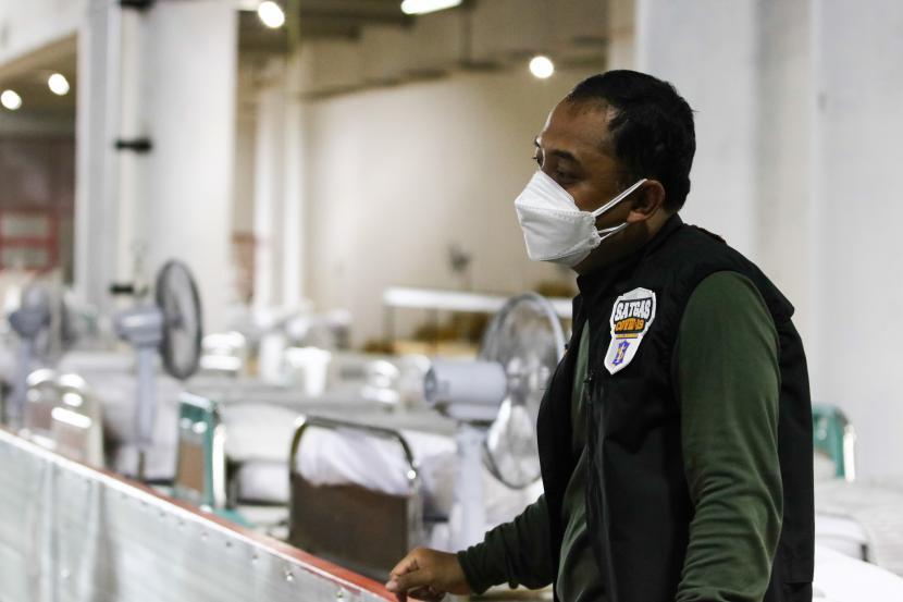Pemerintah Kota (Pemkot) Surabaya menjamin obat dan makan bagi warga yang dinyatakan positif Covid-19 berdasarkan rapid antigen. Jaminan itu sebagai bagian dari standar perawatan Covid-19 bagi warga yang dinyatakan positif Covid-19 berdasarkan hasil rapid antigen. (Foto: Wali Kota Surabaya Eri Cahyadi)