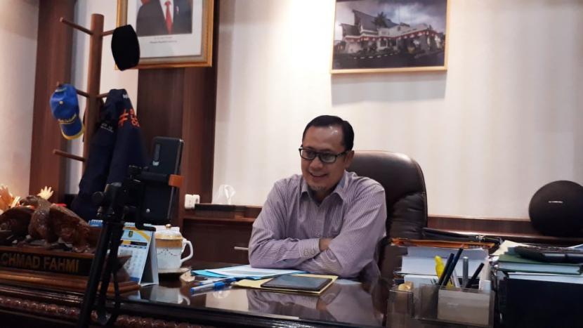 Walikota Sukabumi Achmad Fahmi. Pemkot Sukabumi menempati peringkat lima besar di Jawa Barat dalam kategori Pemda terbaik dalam digitalisasi Ekonomi Daerah.
