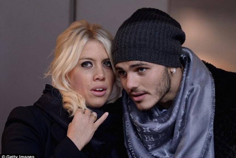 Wanda Nara (kiri) dan Mauro Icardi