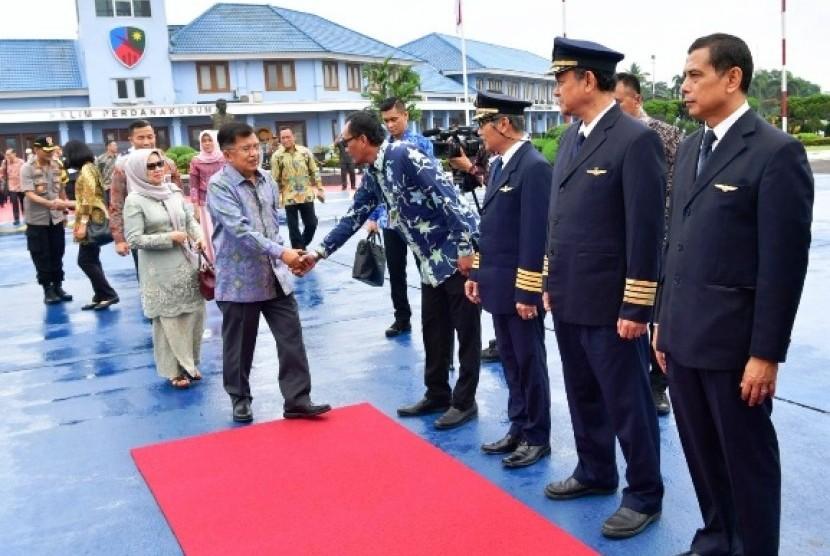 Wapres Jusuf Kalla menuju Makkassar.