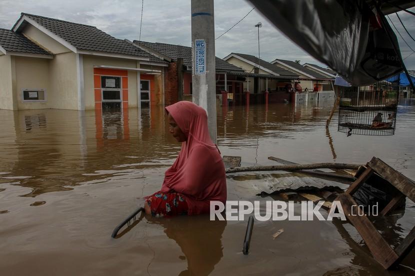Ilustrasi banjir. Ratusan rumah warga di di Kampung Aur Lingkungan IV, Kelurahan Aur, Kecamatan Medan Maimun, Kota Medan, Provinsi Sumatera Utara, terendam banjir karena luapan Sungai Deli.