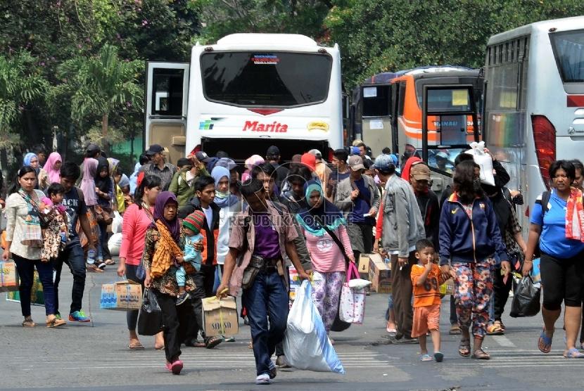 Puncak Arus Balik Liburan di Kampung Rambutan Diprediksi Mulai ...