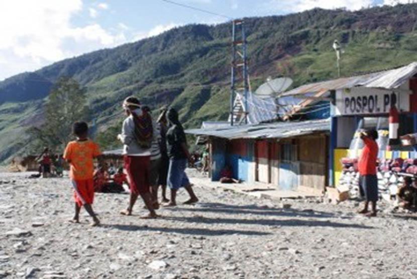 Aktivitas Pasar Kota Lama di Kabupaten Puncak Jaya, Provinsi Papua. (Ilustrasi)