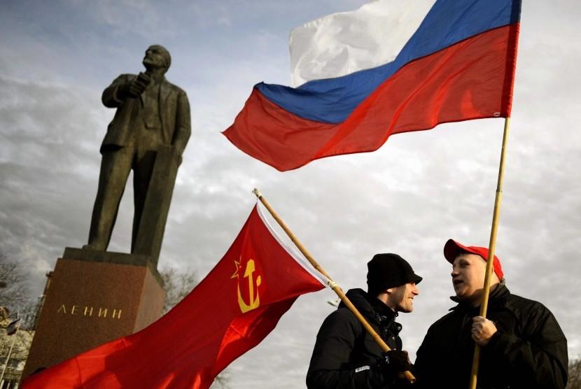 Warga Krimea, Ukraina memilih bergabung dengan Rusia.