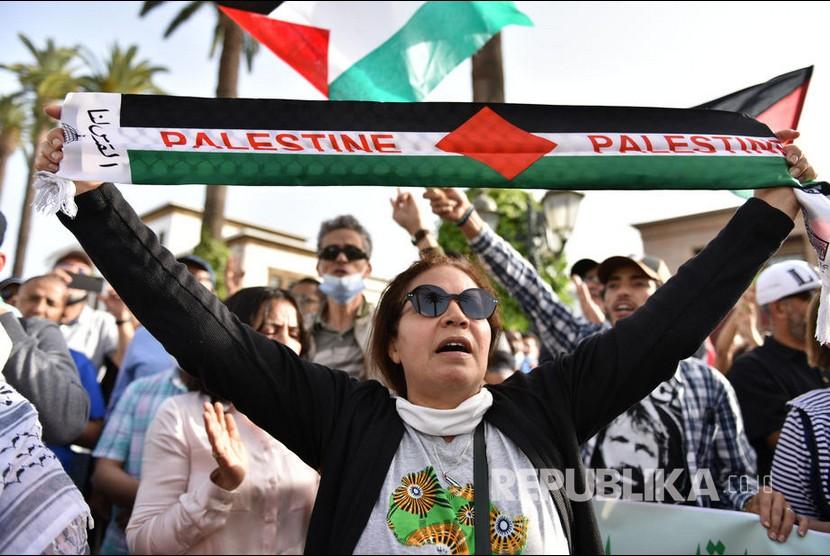 Warga Maroko menggelar aksi damai mendukung rakyat Palestina.