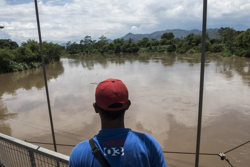 Sungai Citarum di Kabupaten Bandung