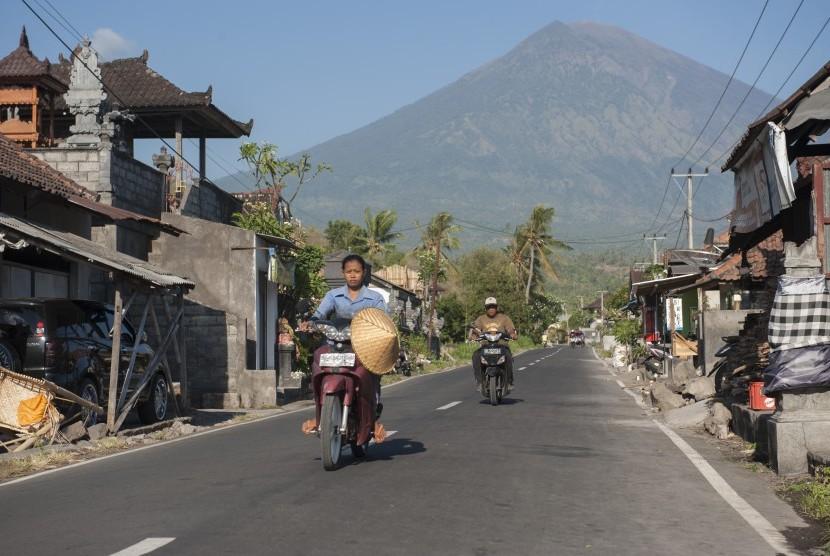 Mt Agung, Bali.
