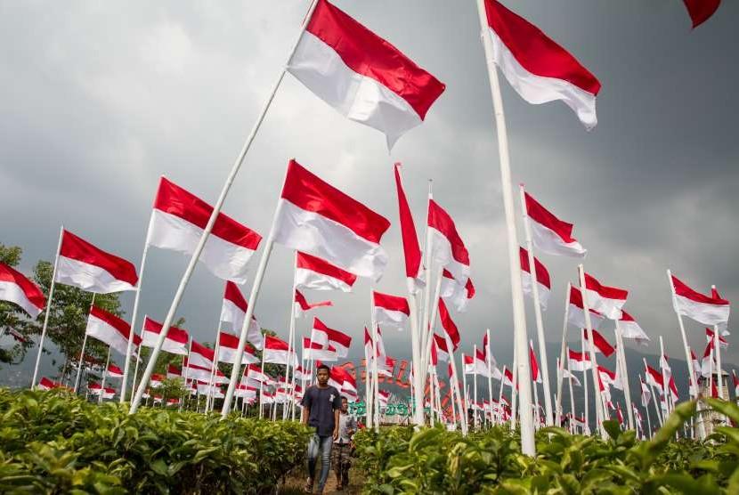 Ilustrasi bendera merah putih .