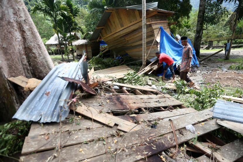 Pascabanjir Bandang Di Lokasi Wisata Aceh Besar Republika Online