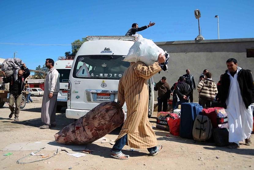 Warga memilih meninggalkan Derna, Libya, setelah konflik menerpa wilayah tersebut. (ilustrasi)