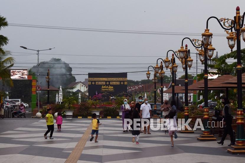 Disbudparpora Madiun Perkenalkan Seragam Khas Kota Pendekar (ilustrasi).