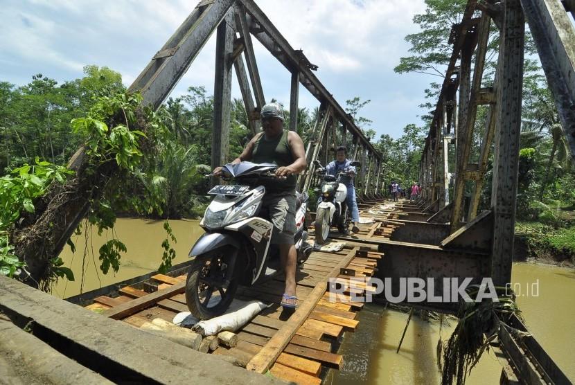 Jembatan rusak/ilustrasi