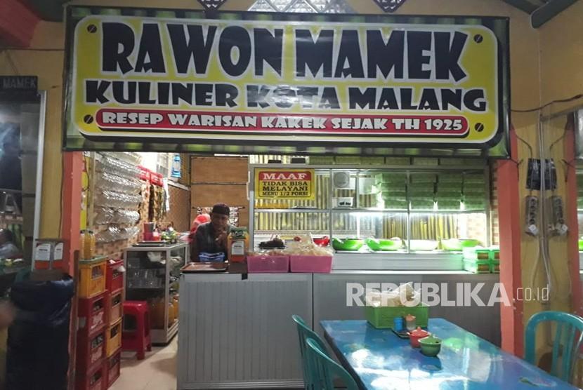Warung Rawon Mamek di Jalan Amprong Bunulrejo, Belimbing, Kota Malang.