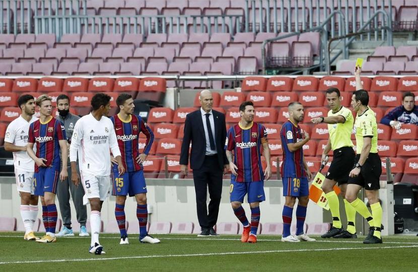 Barcelona Adukan Kinerja Wasit El Clasico ke Presiden RFEF
