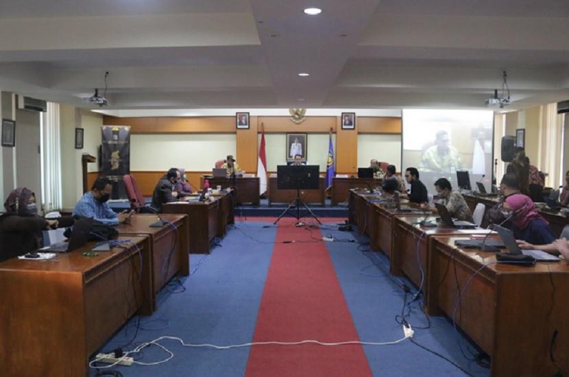 webinar nasional yang digelar Badan Penelitian dan Pengembangan Kementerian Dalam Negeri (BPP Kemendagri), Rabu (3/6).