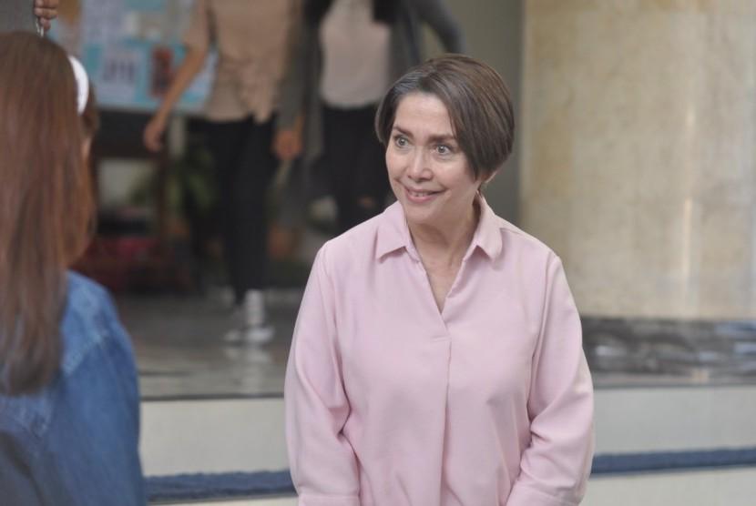 Widyawati perankan mahasiswa di film mahasiswi baru.