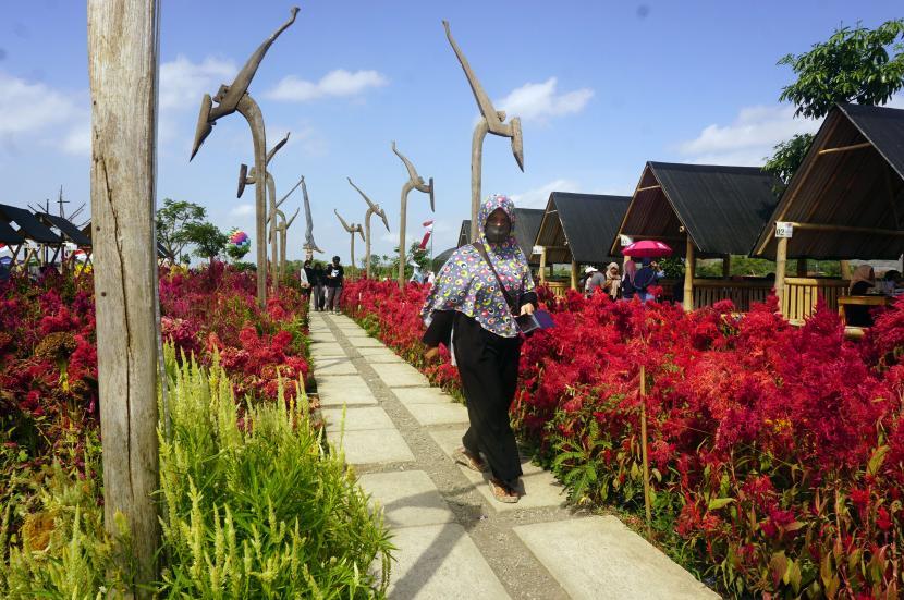 Dprd Jatim Susun Perda Desa Wisata Republika Online