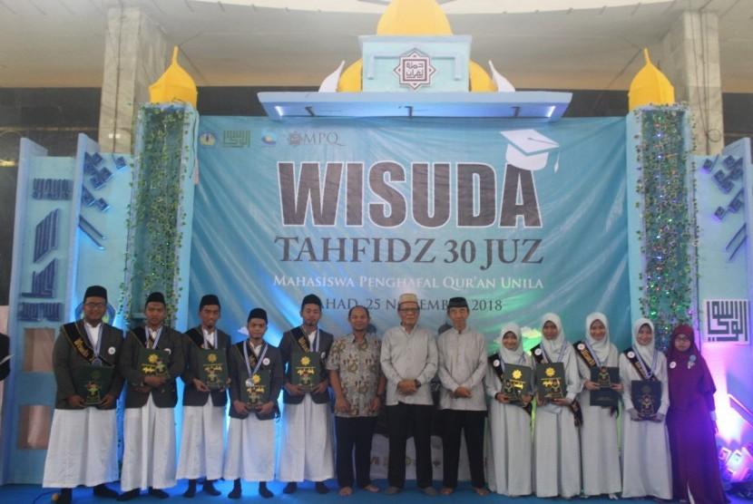 Wisuda Tahfidz 30 Juz Mahasiswa Unila di Bandar Lampung pada Ahad (25/11).