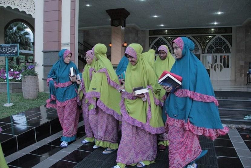 World Muslimah Award 2014