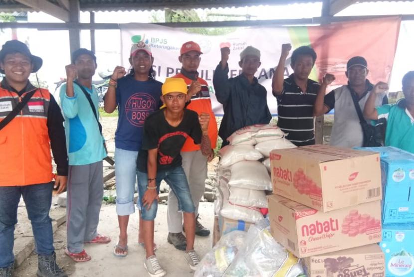 Yayasan Al Maghfirah BPJS Ketenagakerjaan membantu meringankan beban para korban gempa di Provinsi Sulawesi Tengah.