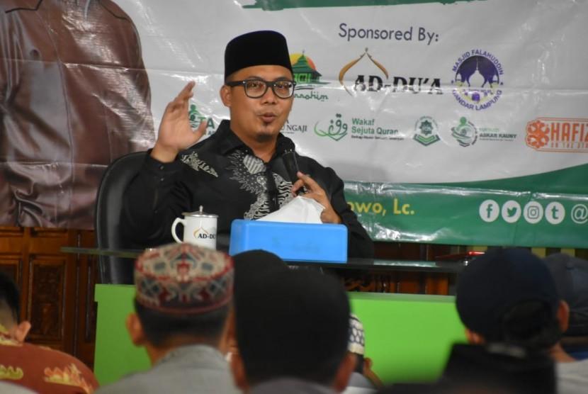 Yayasan Askar Kauny (YAK) menggelar tabligh akbar bertema hidup indah dengan Alquran di Masjid Ad-Du'a Kota Bandar Lampung pada Sabtu (26/1) malam.